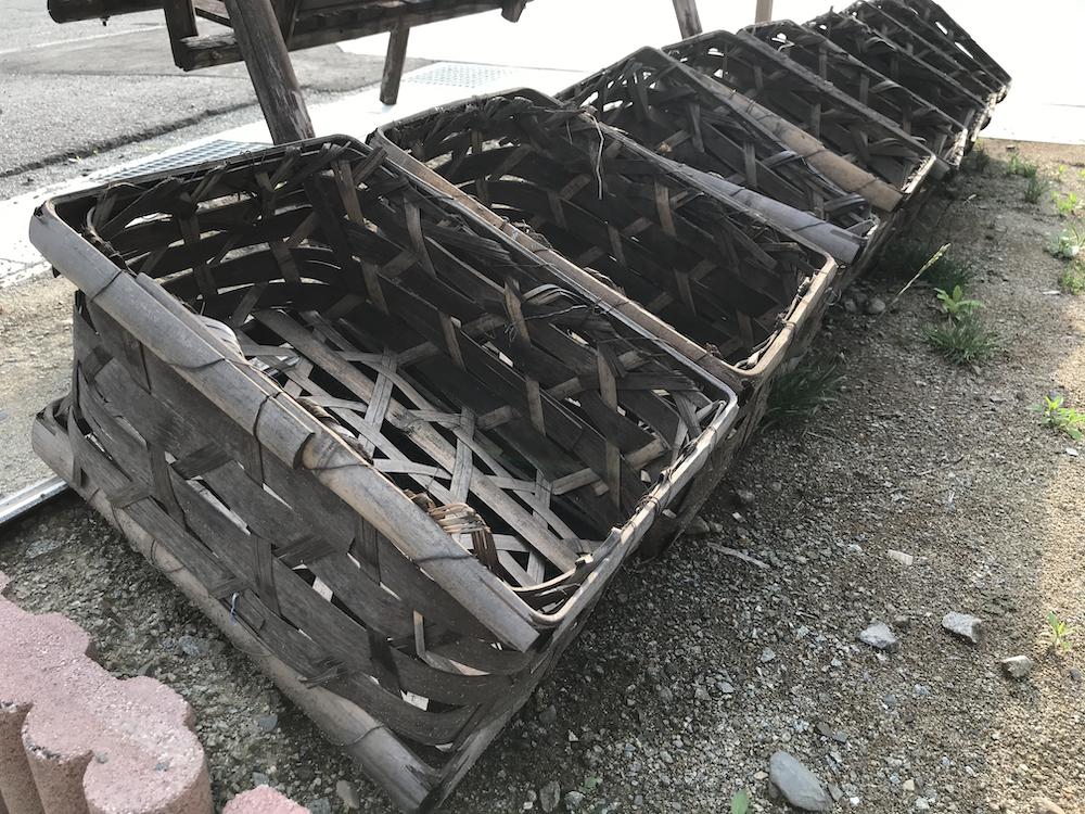 ぶどうの発送に使用していた竹籠